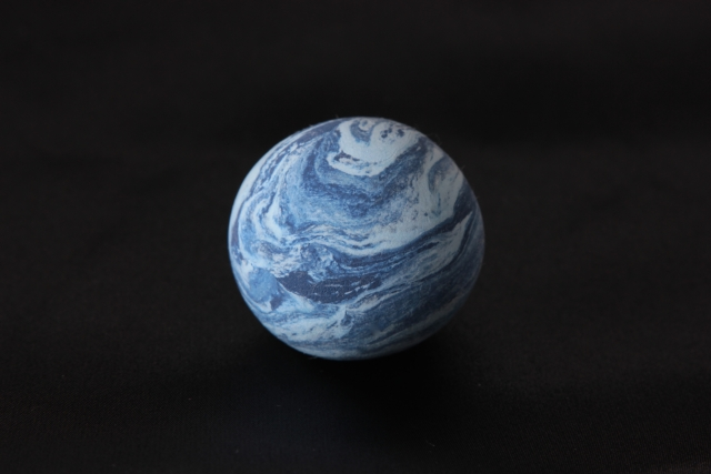 水星。こんな姿してるんですね。地球みたい